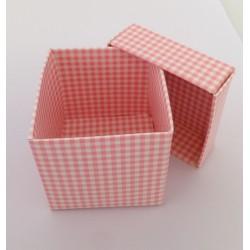 Scatolina porta confetti quadretti rosa 5x5x5