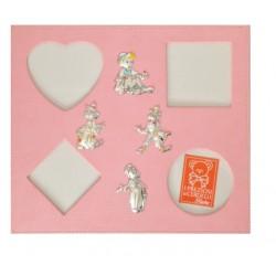 Portafoto da parete multiplo rosa  con applicazioni argento Pinocchio