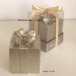 Candela a pacchetto regalo glitter oro con scatola BRANDANI