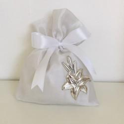 Sacchetto in raso bianco con applicazione fiore in argento 925